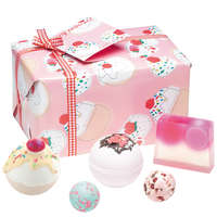 Image of Bomb Cosmetics Gift Packs Cherry Bathe-Well